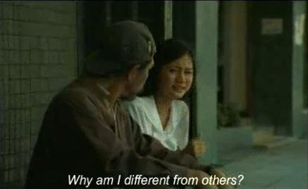 Tại sao cháu lại khác mọi người